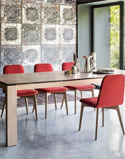 Calligaris Connubia Sigma Table & Chairs