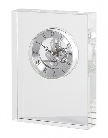 This Small Crystal Clock is just perfect for that living or bedroom setting. Product Information Dimensions: H: 200mm W: 150mm D: 40mm