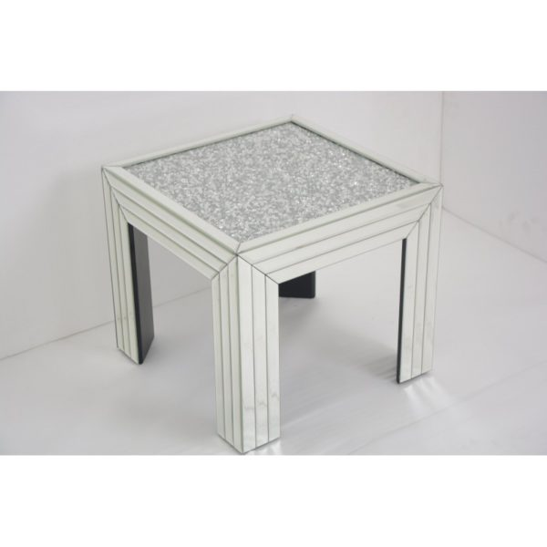 This eye-catching Mirrored Glass Side Table features a simple design with a clean, sleek finish. Product Information: 50cm * 45cm * 50cm