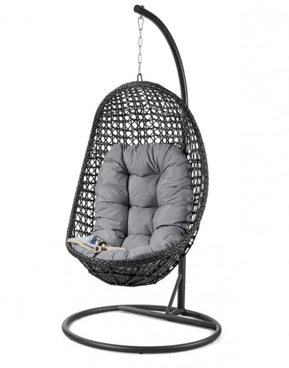 The Malibu Hanging Chair is the perfect garden getaway, where you can spend hours on end lounging in the sun. The suspended chair creates a gentle motion.