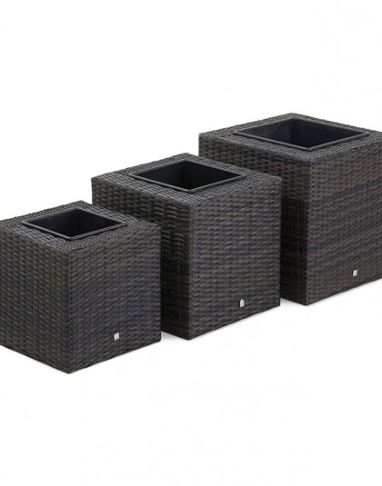 See this Square Planter Set in your outdoor furniture collection?This must-have accessory will match your garden furniture perfectly.