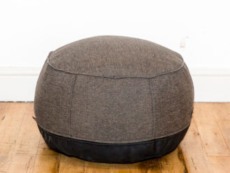 See this Bespoke Dark Grey Pouf in your home?This piece comes upholstered in a Dark Grey Linen with a black fabric base.Perfect for those smaller spaces.