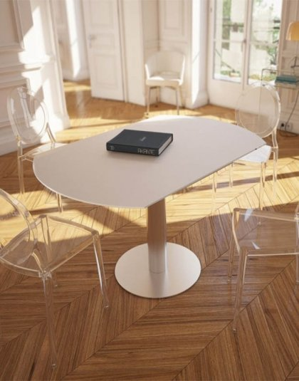 The Luna dining table has two extensions which are hidden beneath the surface which transform the piece in to a magnificent 135cm diameter piece.